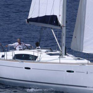 OCEANIS-43-alquiler-de-veleros
